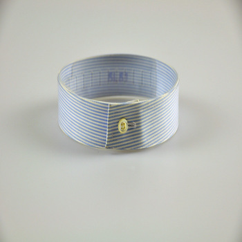Round Buttoned Band Collar